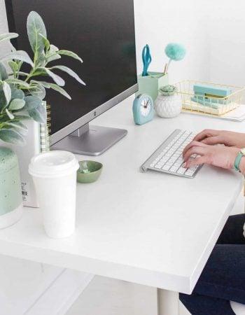 How I Make $2,000 Per Month Running Facebook Ads For Businesses